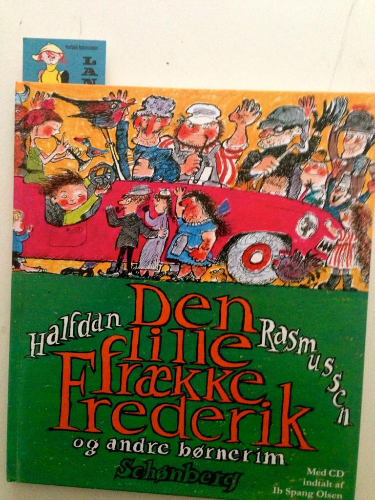 Den lille frække Frederik med Lange Peter Madsen bogmærke!